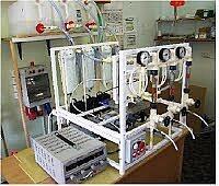 Универсальная опытно-лабораторная электромембранная установка УОЛЭМУ настольного типа.