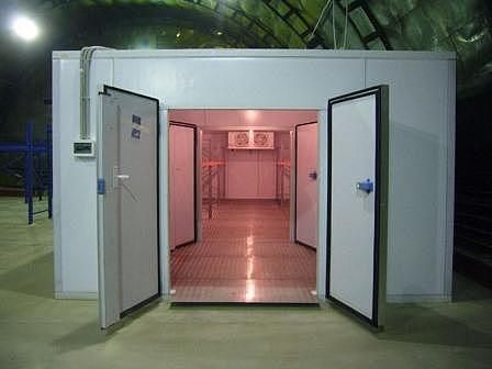 Холодильная камера хранения и заморозки, камера охлаждения, склад. Моноблок
