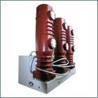 Выключатель вакуумный  внутренней установки ВР35