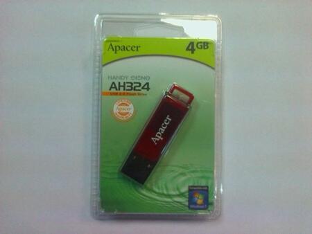Флеш накопитель Apacer AH-324 красная, объем памяти 4 Gb, интерфейс USB