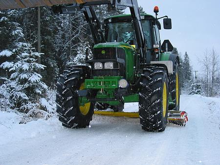 Средний снегоуборочный отвал для тракторов АМ 5 TR
