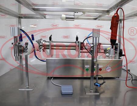Комплект полуавтоматического оборудования для фильтрации, высокоточного дозирования и укупорки жидких и пастообразных продуктов УМФ (коллаген)