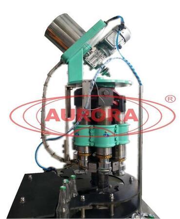 Автоматическая машина для укупорки стеклянной тары кронен-пробками