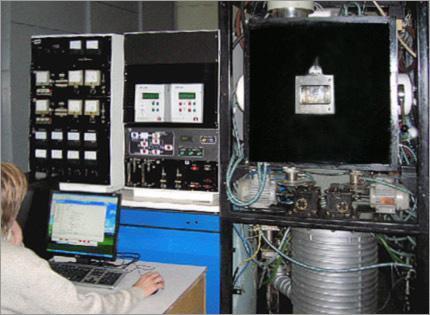 Автоматическая цифровая многоканальная система поддержания давления в вакуумной камере