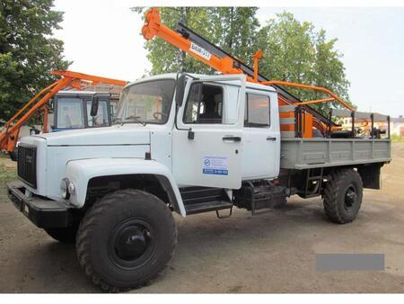 Бурильно-крановая машина  БКМ-317