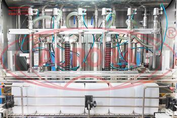 """Линия розлива, укупорки и этикетировки высокой производительности """"Мастер"""" для ветеринарных продуктов (для канистр 5-10 л)"""