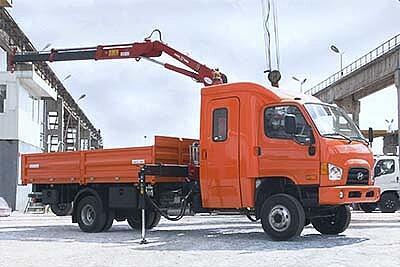 Hyundai HD78 (4x4) с двухрядной 7-местной кабиной и КМУ Amco Veba 808N 2S