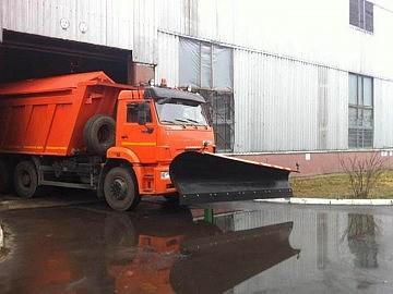 Пескоразбрасыватель на КАМАЗ 6520 20 тонн