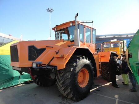 На сызранском заводе дан старт производству трактора-тягача К 704-4Р «Станислав»
