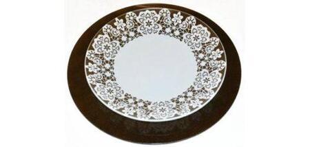 Никольский стекольный завод презентовал «кружевную коллекцию»
