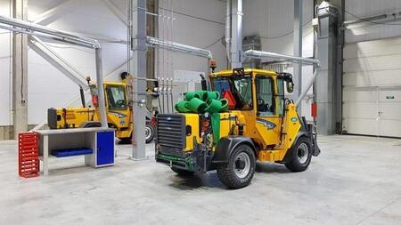 В Санкт-Петербурге открылся новый завод по производству коммунальной техники