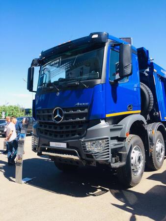 Новый самосвал Mercedes-Benz Arocs 4145K был представлен в рамках выставки CTT Bauma Russia 2019