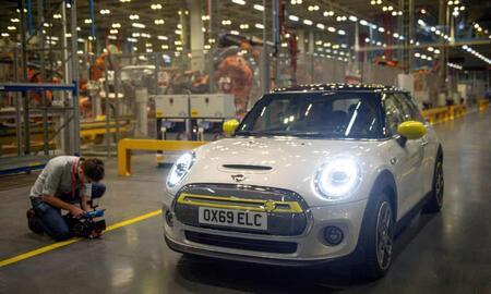 Компания BMW представила электромобиль Mini