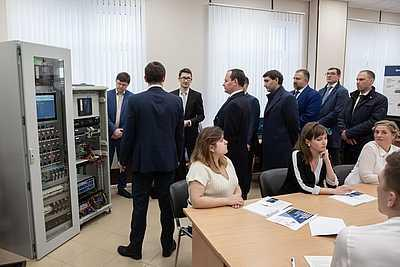 В Учебном комплексе «Россети Ленэнерго» запущены программы по управлению цифровым оборудованием
