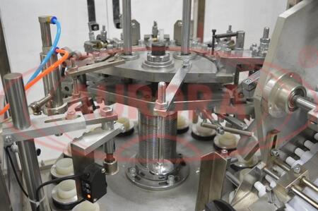 Автоматический моноблок фасовки и обжима алюминиевых туб