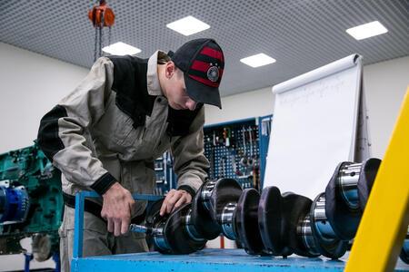 Volvo CE и Volvo Trucks поддерживают молодых профессионалов