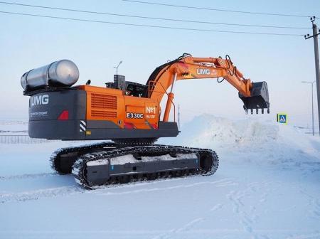 Российская компания представила первый отечественный экскаватор, работающий на СПГ
