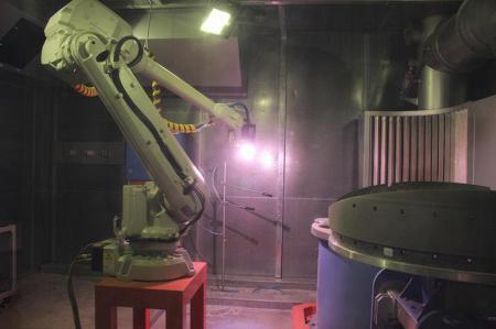ОДК запустила робототехнический комплекс для нанесения защитных покрытий