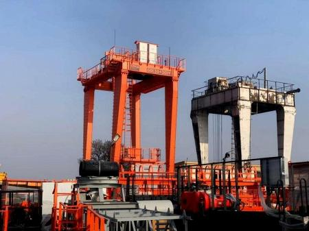 Компания «НПО Спецкран» поставила несколько новых кранов на модернизируемую ГЭС в Узбекистане