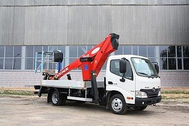 Компактный автогидроподъёмник на базе Hino-300