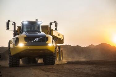 Погрузчики и самосвал Volvo стали номинантами конкурса «Инновации в строительной технике в России»