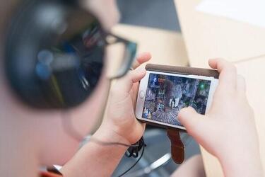 Ученые назвали три способа, как снизить вред от смартфонов