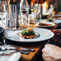 Роспотребнадзор обновит санитарные нормы для кафе и ресторанов