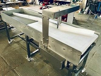 Распределительный конвейер (сортировочный стол)