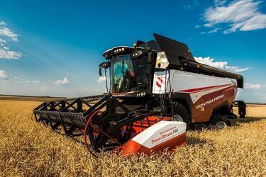 Европейские аграрии выбирают зерноуборочные комбайны Ростсельмаш