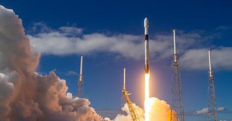 SpaceX запустил космический «грузовик» Cargo Dragon к МКС