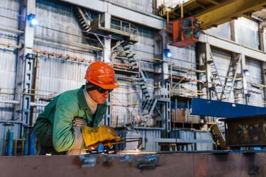 Астраханский завод «Красные баррикады» возобновил работу после двух лет простоя
