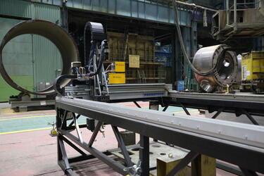 На «Атоммаше» введена в эксплуатацию новая установка для вырезки отверстий