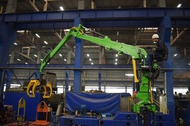 Завод спецтехники с Урала освоил производство новой модели КМУ для лесозаготовителей