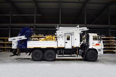 Завод спецтехники с Урала выпустил новую передвижную мастерскую на шасси КАМАЗ