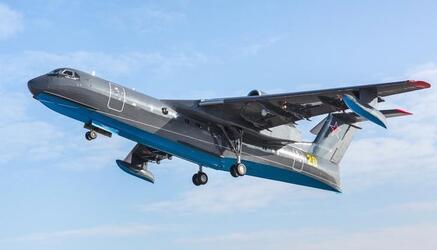 Взлетел очередной серийный самолет-амфибия Бе-200ЧС — первый для ВМФ РФ
