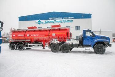 Завод спецтехники с Урала освоил производство новых моделей полуприцепов бензовозов