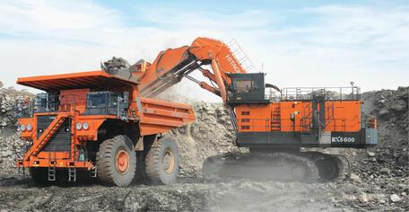 KAZ Minerals пополнила парк техники новым экскаватором Hitachi EX5600-6