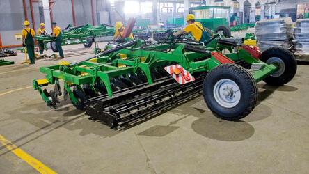Алтайский завод начал поставлять сельхозтехнику в Чехию