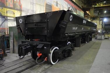 Камбарский машиностроительный завод из Удмутии представил вагон самосвал ВСК-1000 для метровой колеи