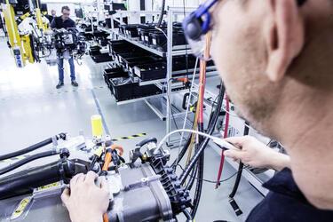 VolvoGroup и DaimlerTruckAG создадут совместное предприятие для производства топливных элементов