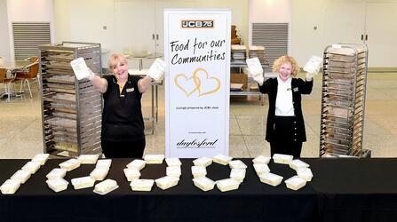 JCB передала нуждающимся семьям более 110 тысяч бесплатных обедов