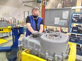 На заводе двигателей КАМАЗа начат серийный выпуск новой раздаточной коробки