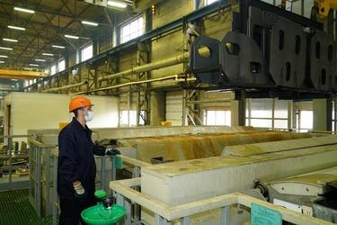 На Брянском машиностроительном заводе заработала новая линия гальванической обработки деталей