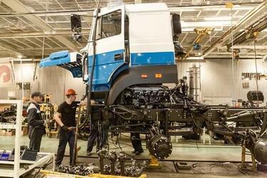 Автозавод «Урал» начал конвейерную сборку нового автомобиля повышенной грузоподъемности