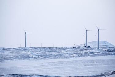 РусГидро ввело в эксплуатацию уникальный ветродизельный комплекс в арктическом поселке Тикси