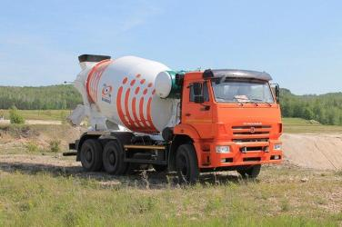Российский завод выпустил новые модели автобетоносмесителей на шасси КАМАЗ