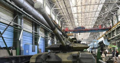 Уралвагонзавод отправил в войска партию танков Т-90М
