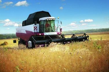 Ростсельмаш выпустил полноприводный комбайн АКРОС-595 Плюс