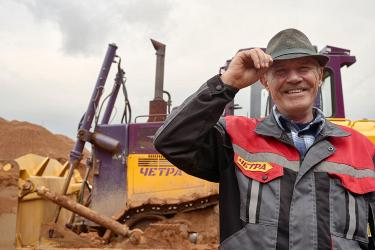 ЧЕТРА запустила серийное производство бульдозеров с экономичным двигателем