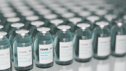 Линия розлива вакцин от коронавирусной инфекции